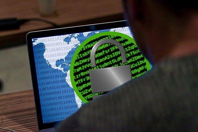 Haker rozprzestrzeniający ransomware